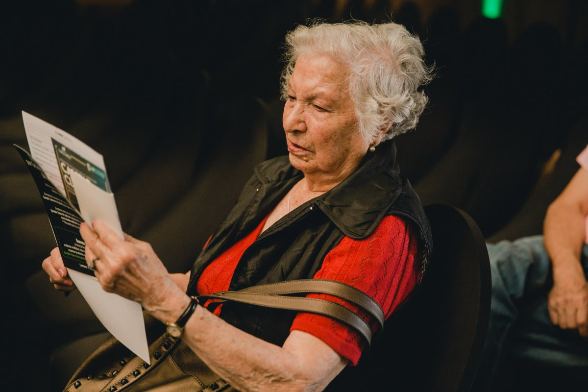 Entregan recomendaciones de autocuidado para personas mayores